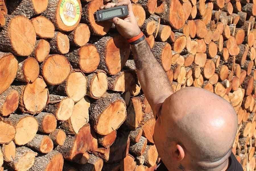 Humedad en la madera y problemas de combustión